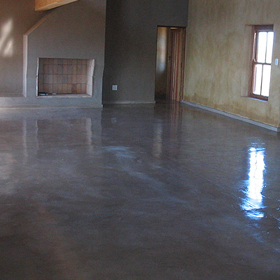 PIGMENTED FLOORCOTE